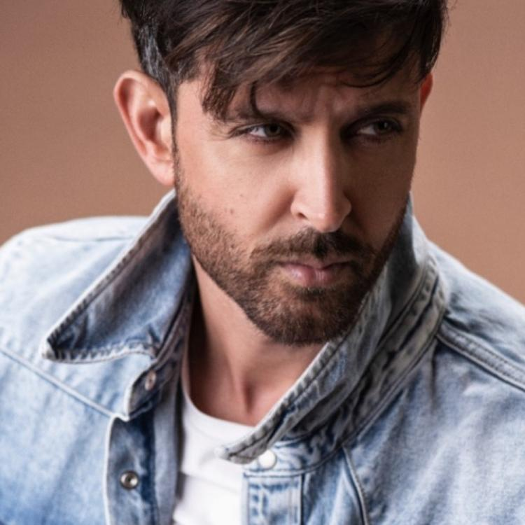 Hrithik Roshan gives epic response to a fan who asks if he called aliens by mistake causing Bengaluru boom