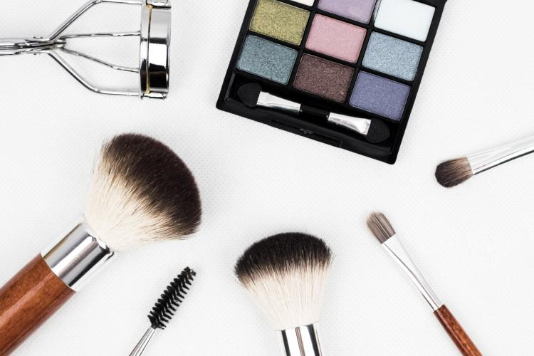Skin care: Easy ways to keep your makeup tools clean in order to avoid skin problems