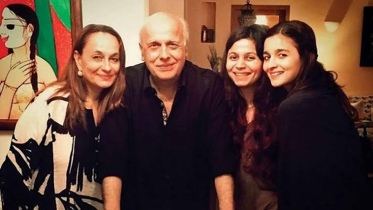 Mahesh Bhatt gets angry while speaking about 'fitting in' at Shaheen Bhatt's book launch