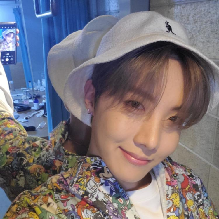 BTS: J Hope flaunts quirky OOTD days after he sent a signed MotS 7 copy to Super Junior's Leeteuk