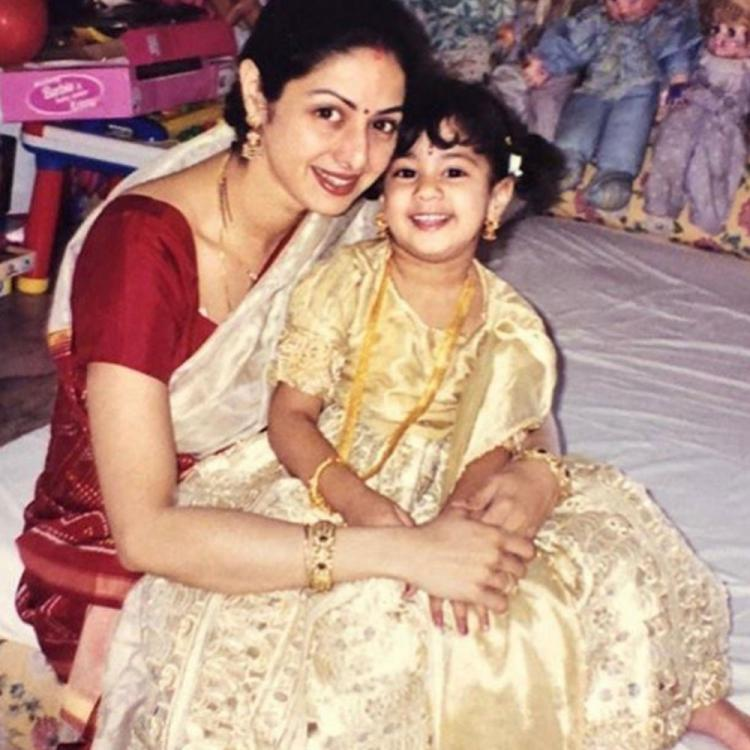 Flashback Friday: When Janhvi Kapoor shared a throwback photo with Sridevi & gave a special advice to fans