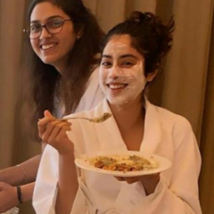 Janhvi Kapoor celebrates her return to Mumbai with a 'biryani party' in a bathrobe & it's all things cute