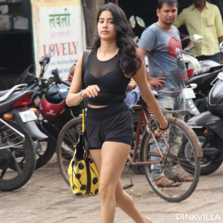 Photos: Janhvi Kapoor dons an all black look as she walks to her gym