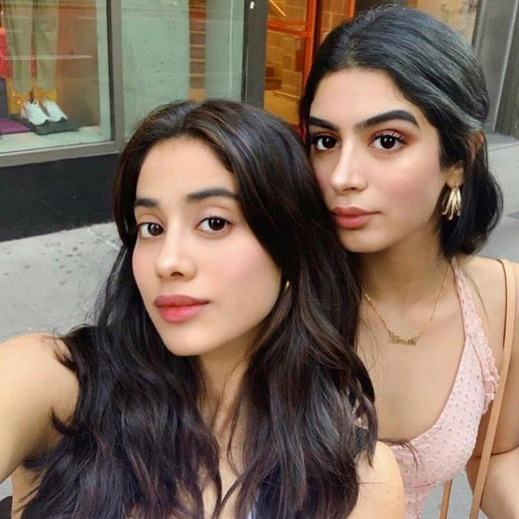 Janhvi Kapoor is having a gala time with sister Khushi Kapoor while traveling on the streets of LA; Watch