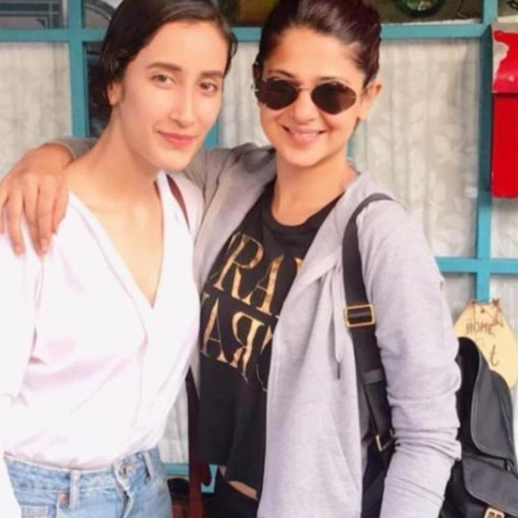 Jennifer Winget is all in for a party as she meets Bepannaah co star Namita Dubey; Check out