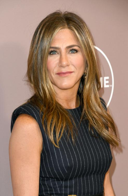 Jennifer Aniston has stayed away from the persuasion of social media apps like Facebook, Instagram and Twitter.