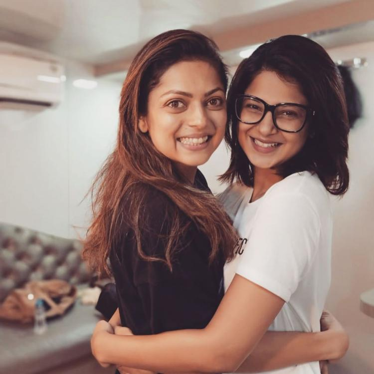 Jennifer Winget is all smiles and hugs Drashti Dhami as they meet after a long time; View Post