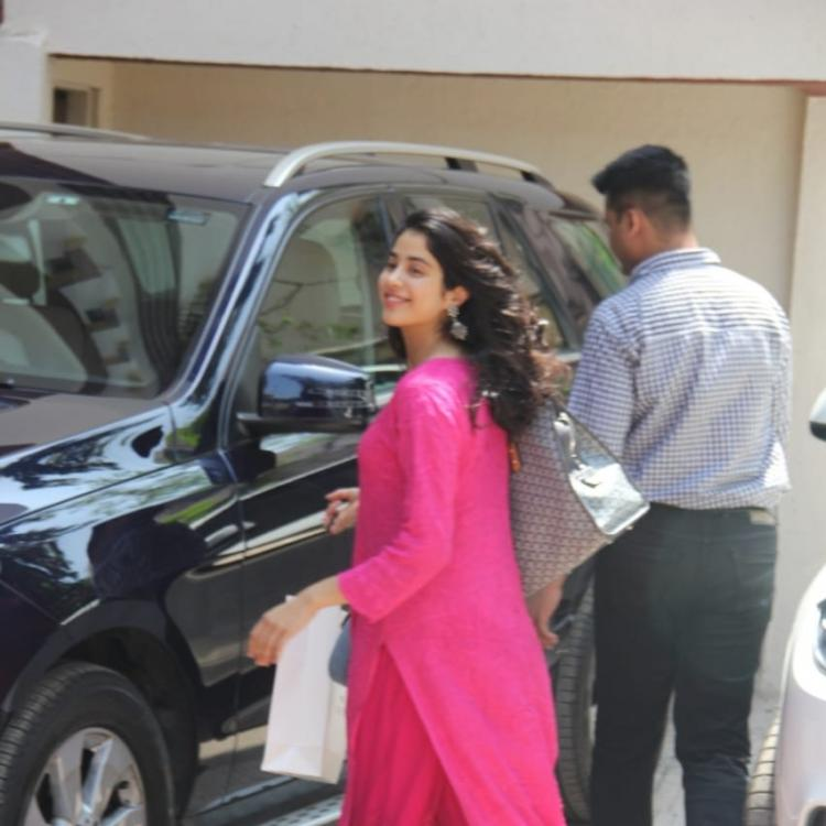 Photos: Janhvi Kapoor looks like a sight to behold as she walks out of her gym on a breezy Thursday afternoon
