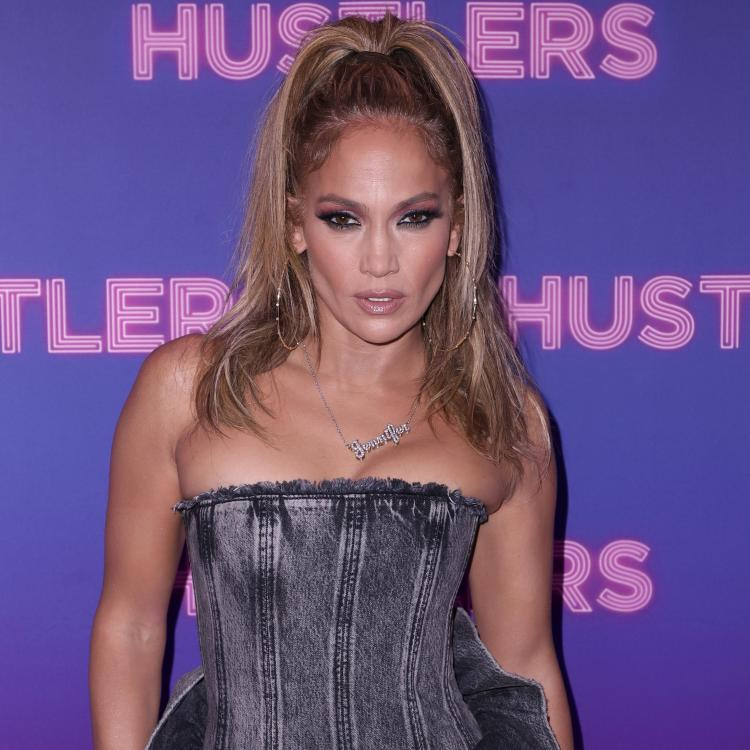 """Jennifer Lopez REVEALS learning pole dancing for her film """"Hustlers"""" was extremely difficult"""