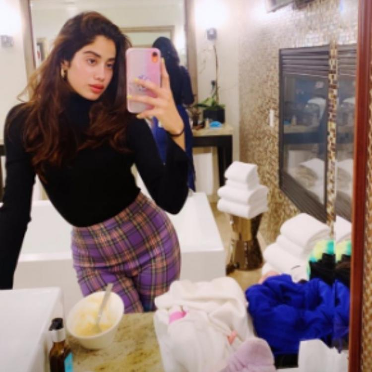 Janhvi Kapoor's latest mirror selfie is all about posing with grace and perfection; Take a look