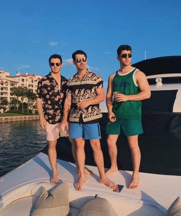 Jonas Brothers documentary Chasing Happiness to premiere on THIS date