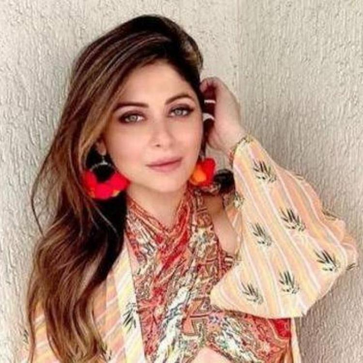 Kanika Kapoor deletes her Coronavirus announcement post from Instagram as she continues to get slammed