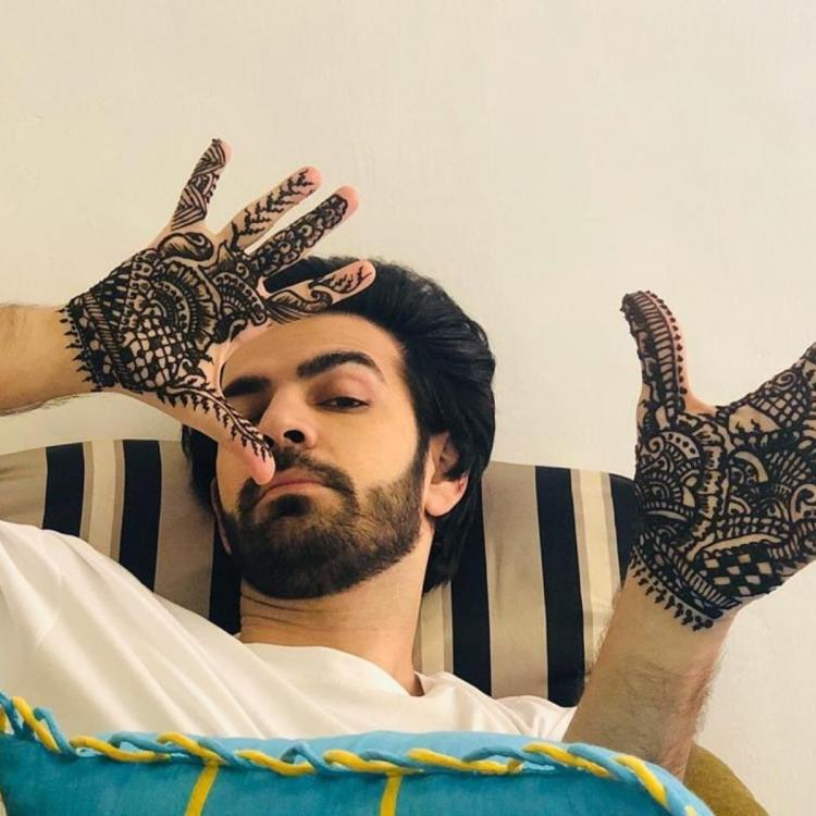 Kahan Hum Kahan Tum actor Karan V Grover breaks stereotypes as he puts mehendi for a sequence; Take a look