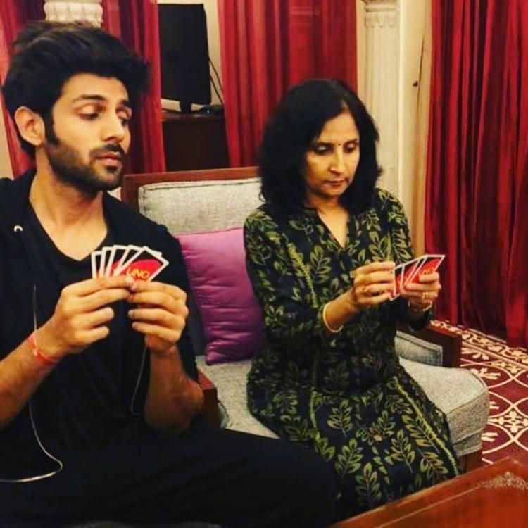 Kartik Aaryan gets emotional on the sets of Indian Idol 11; Remembers his mother's journey