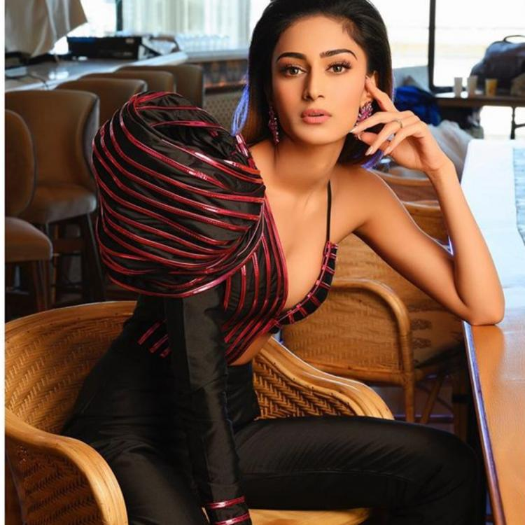 Kasautii Zindagii Kay fame Erica Fernandes will be joining Pinkvilla Live; drop in your questions for her
