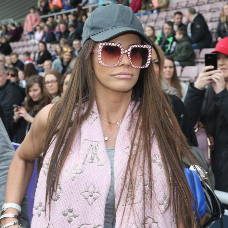 Katie Price sells 230K pounds diamond rings from Peter Andre; Here's why
