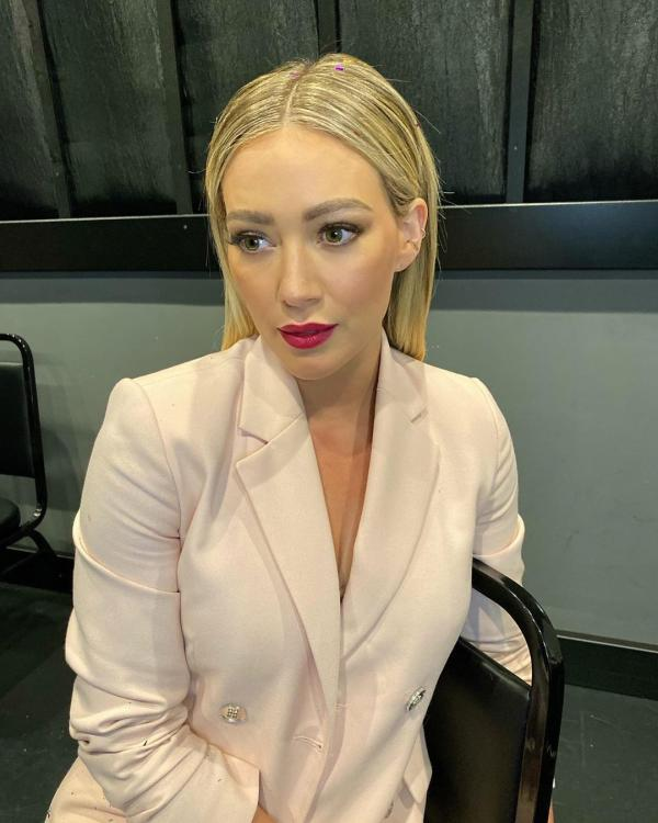 Hilary Duff reveals that she is not married to Matthew Koma