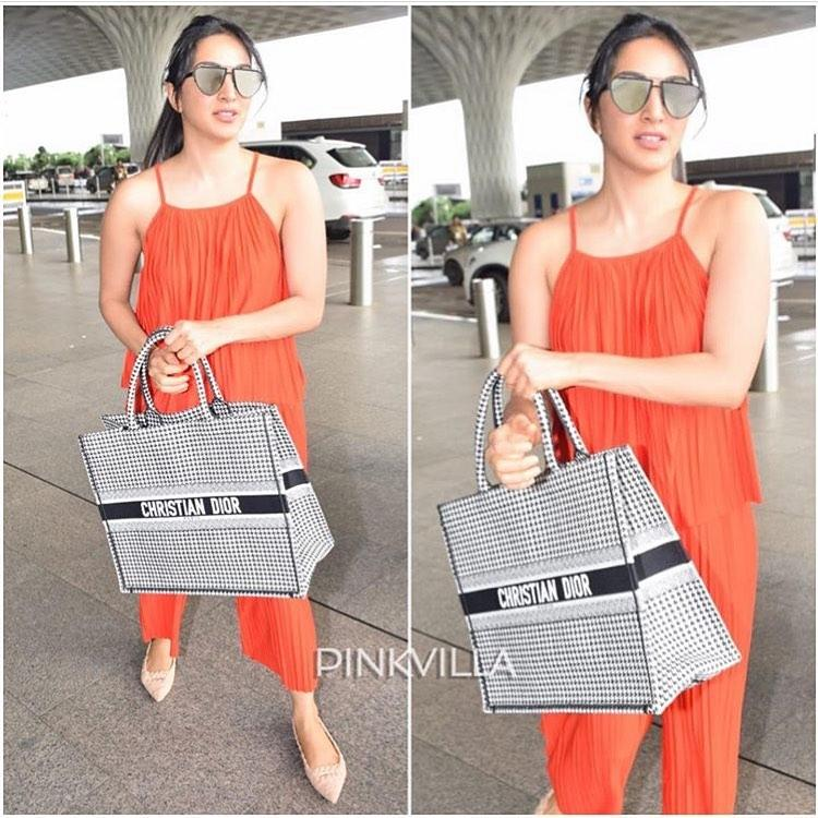 Celebrity Style,airport,red,Kiara advani