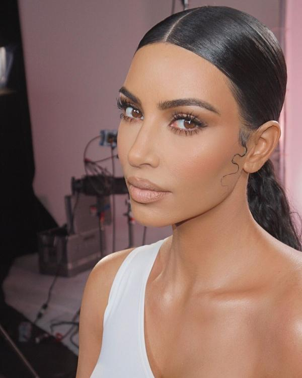Beauty,Kim Kardashian West,Kim Kardashian Beauty,kim kardashian makeup look