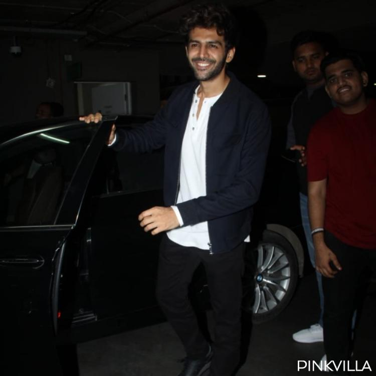 PHOTOS: Kartik Aaryan flashes his infectious smile as he arrives at the airport