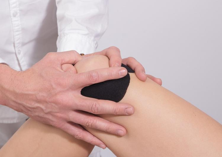 Knee Pain: Try THESE home remedies to treat this health problem