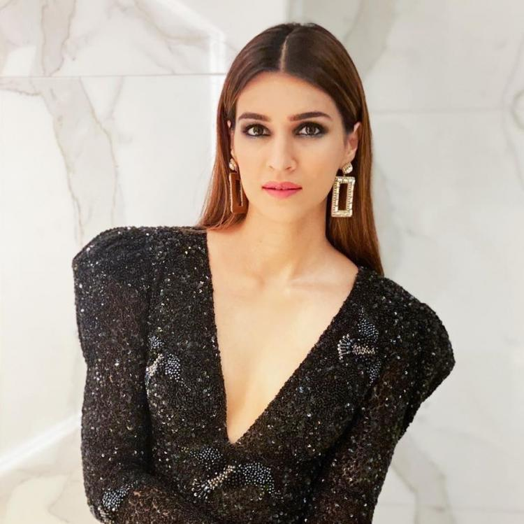 Kriti Sanon promotes Housefull 4 in a jazzy LBD which is the perfect outfit for your next night of clubbing