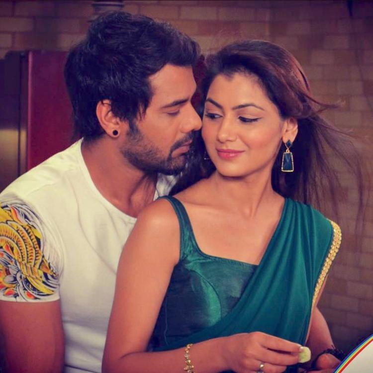 Kumkum Bhagya October 7, 2019 Written Update: Pragya spots Abhi at the police station