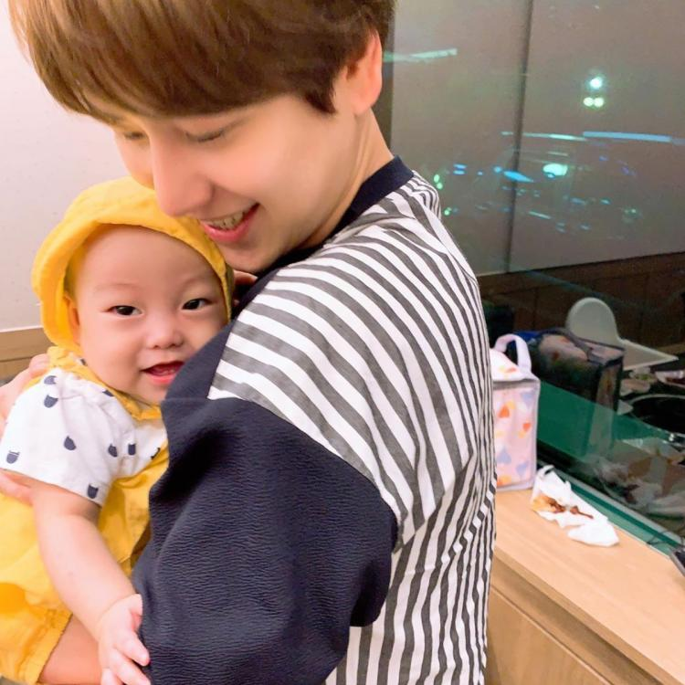 Super Junior member Kyuhyun shares adorable photos with his nephews and fans thought it was his kids