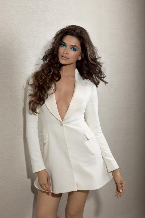 Unseen Shot From Deepika Padukone 39 S Photoshoot For L
