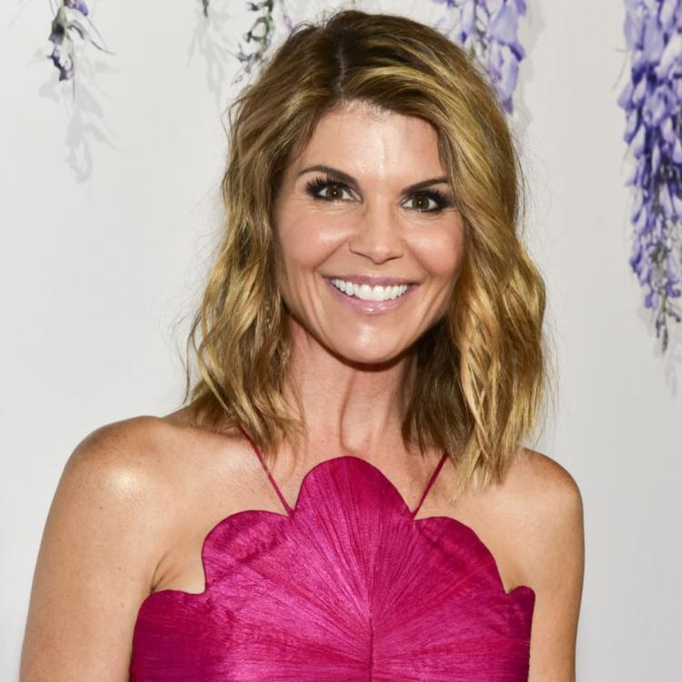 Lori Loughlin & Mossimo Giannulli to plead guilty of fraud in the controversial college admission case