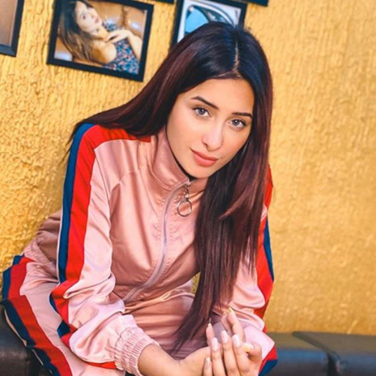 EXCLUSIVE: Mahira Sharma advises fans to turn on their creative side during quarantine; Asks them to stay safe