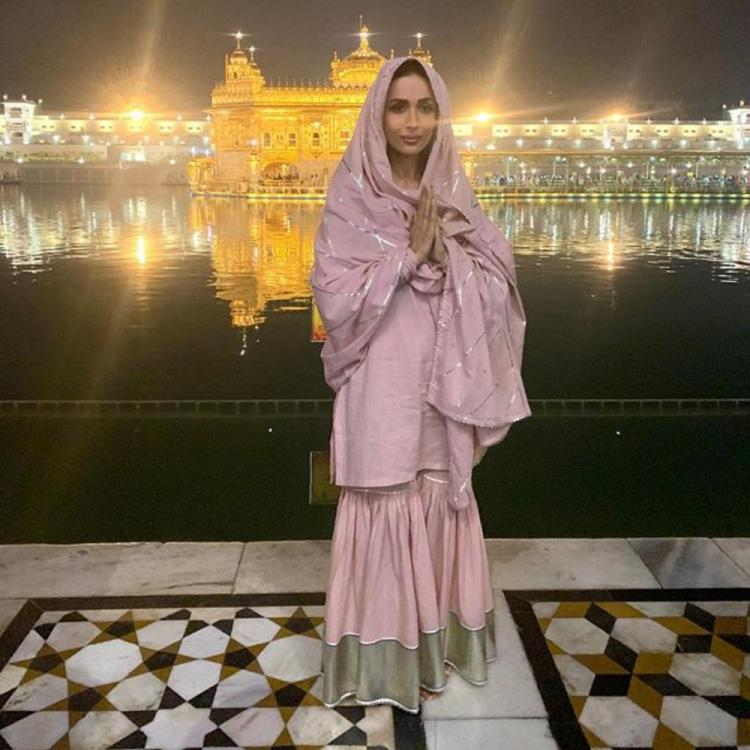 Malaika Arora looks ethereal in ethnic as she seeks blessings at the Golden Temple in Amritsar; See PHOTOS
