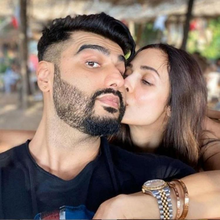Malaika Arora and Arjun Kapoor's Valentine's Day was all about love, flowers and all good things; See PHOTOS
