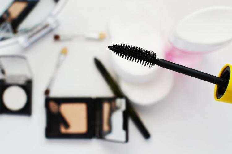Makeup Removal Tips: THIS is how you can remove your waterproof mascara without damaging your lashes