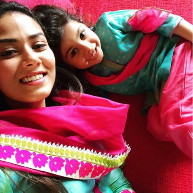 Shahid Kapoor's wife Mira Rajput and daughter Misha twin in traditional outfits; view PIC