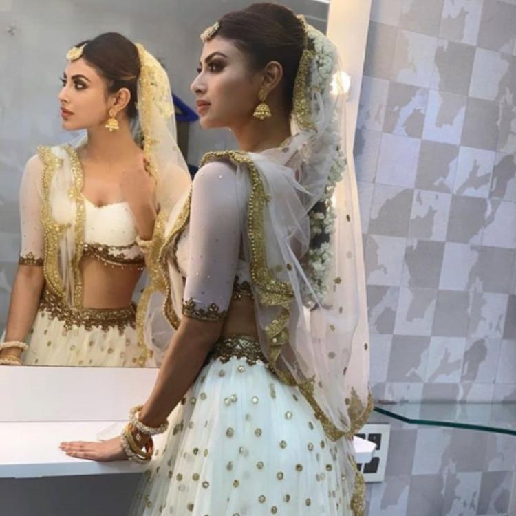 Mouni Roy looks breathtaking in this BTS pic & we are totally crushing over her