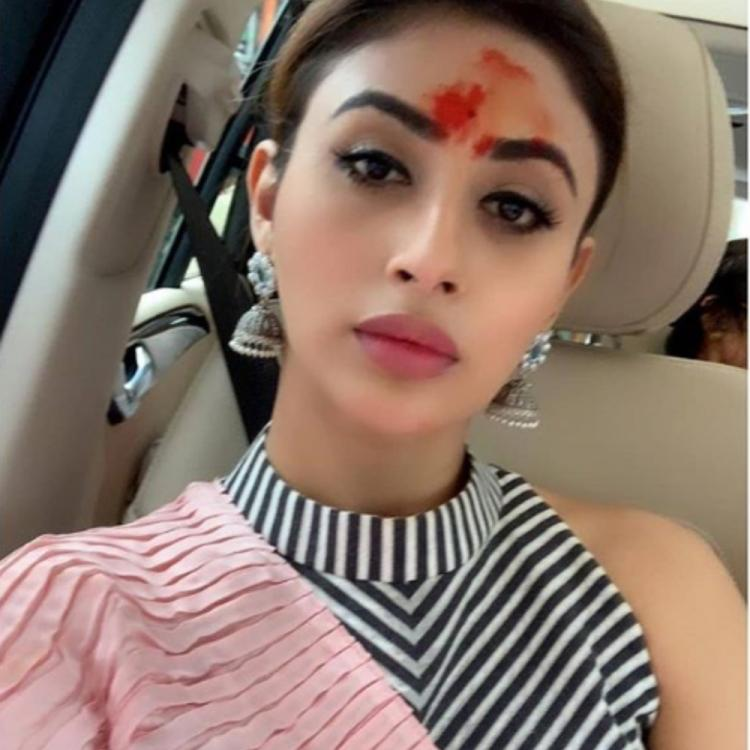 Mouni Roy flaunts vermilion like no one else & here's the proof; View PIC