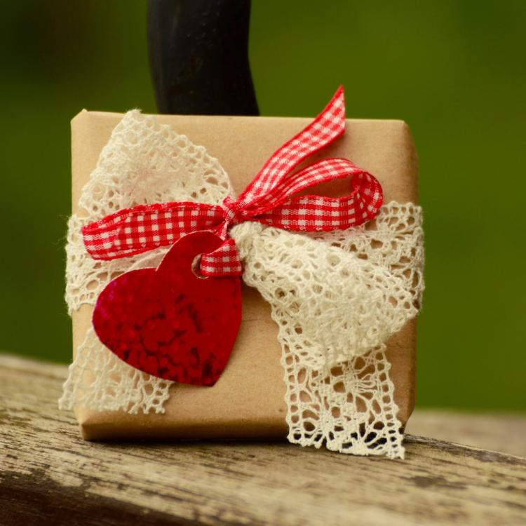 Mother's Day Gift Ideas: Budget friendly presents a mother in law can give her daughter in law on this day