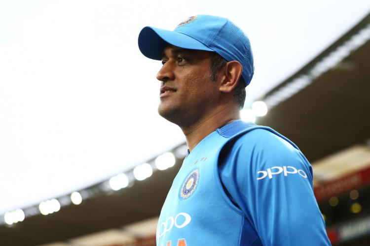 MS Dhoni spotted playing Volleyball with his Territorial Army Battalion