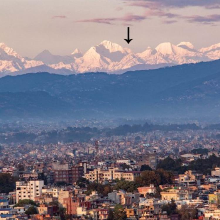 Mt Everest becomes visible from Kathmandu Valley located 200 km away amidst the lockdown