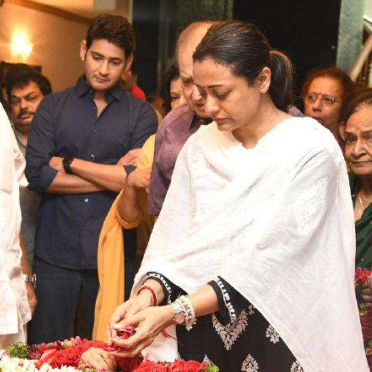 Mahesh Babu with father Krishna & wife Namrata Shirodkar pay their last respects to legendary Vijaya Nirmala