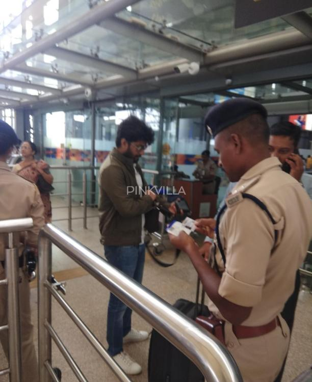 PHOTOS: Gang Leader star Nani keeps it casual as he gets spotted at the Hyderabad airport