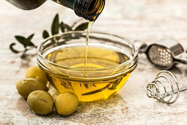 Olive Oil vs Extra Virgin Olive Oil: What is the difference between the two?