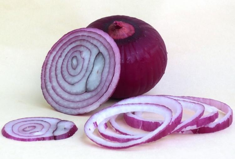 Hair Care Tips: THIS is how you can use onion to make your hair more lustrous