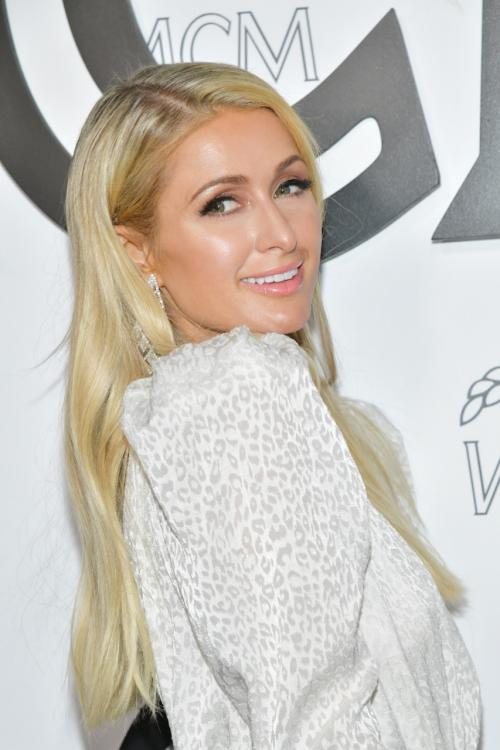 Paris Hilton: Lindsay Lohan is lame and embarrassing