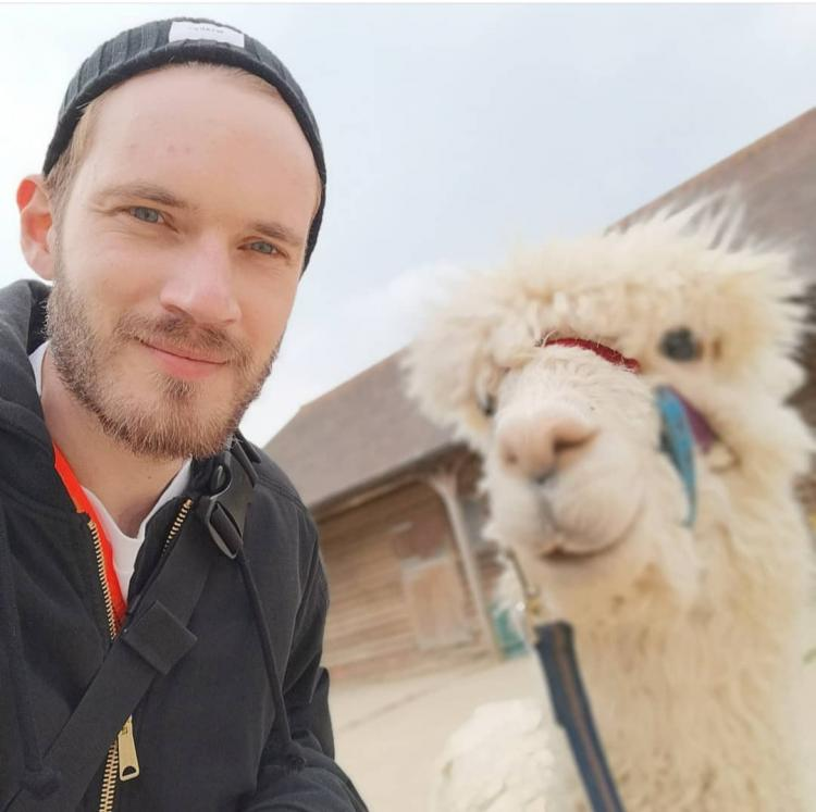 YouTuber PewDiePie wants to visit India and record a 'sorry song'