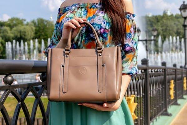 Fashion Essentials: 7 items every woman MUST carry in her bag