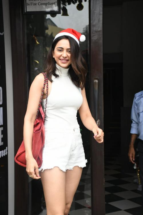 PHOTOS: Rakul Preet Singh is keeping up with the Christmas spirit as she steps out wearing a Santa cap
