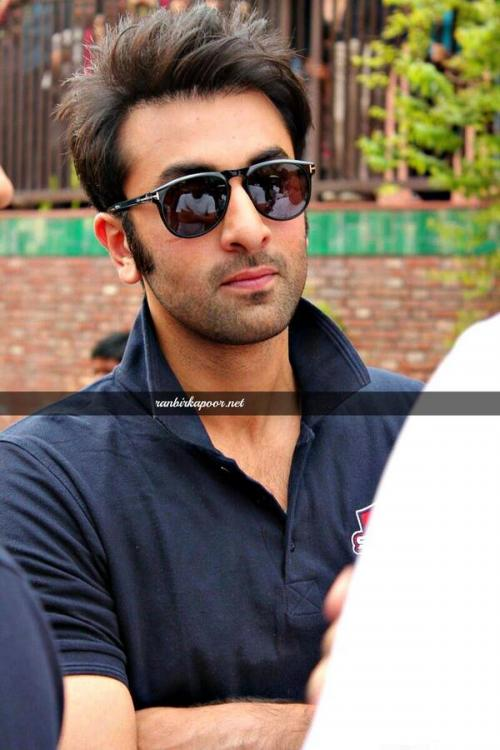 ranbir kapoor hair style ranbir kapoor plays a match with the from magic 4710