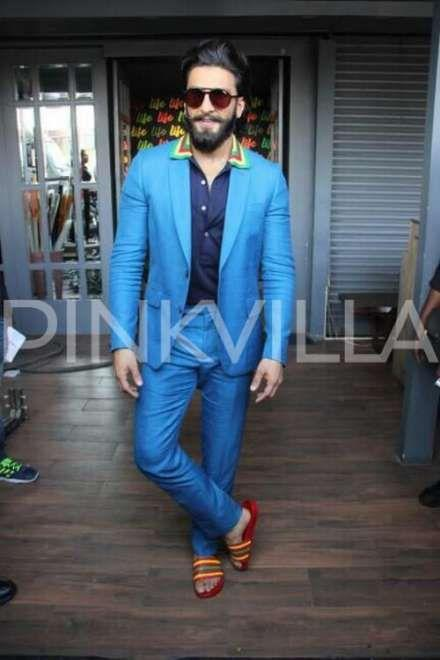 Ranveer Singh's apology video goes viral; The Actor had commented on Kareena Kapoor Khan on his debut KWK show